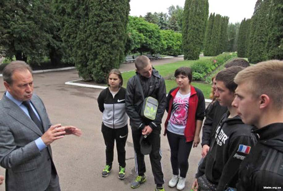Микола Томенко зустрівся зі студентами та викладачами Бобровицького коледжу економіки та менеджменту