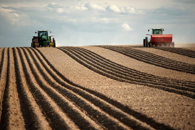 земля для аграрних потреб об'єднані громади